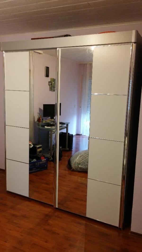 kleiderschrank leichten neu und gebraucht kaufen bei. Black Bedroom Furniture Sets. Home Design Ideas
