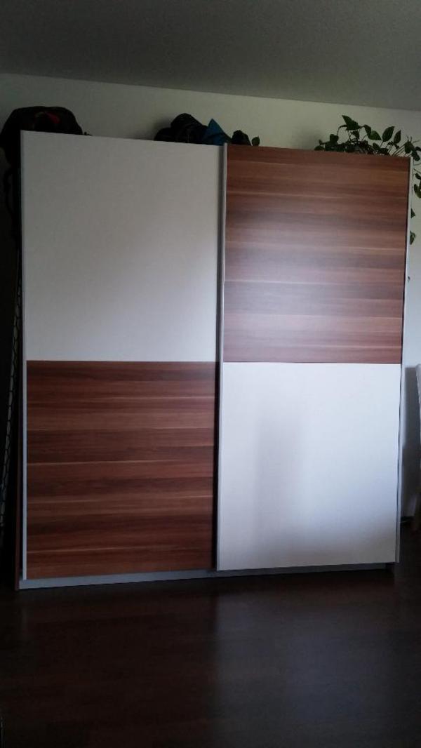 kleiderschrank schwebet renschrank schr nke sonstige. Black Bedroom Furniture Sets. Home Design Ideas