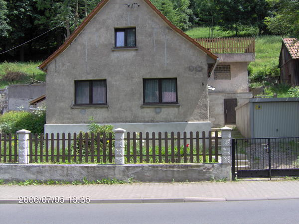 kleines wohnhaus in suhl zu verkaufen 1 familien h user kaufen und verkaufen ber private. Black Bedroom Furniture Sets. Home Design Ideas