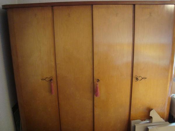 kleiderschrank holz gebraucht kaufen 4 st bis 75 g nstiger. Black Bedroom Furniture Sets. Home Design Ideas