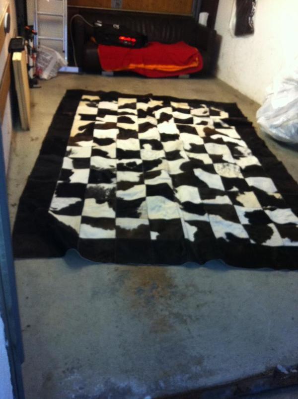 kuh fell teppich 3m x 2m in m nchen teppiche kaufen und verkaufen ber private kleinanzeigen. Black Bedroom Furniture Sets. Home Design Ideas