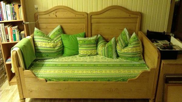 kuschel sofa mit kissen und bez gen unikat in vaterstetten stilm bel bauernm bel kaufen und. Black Bedroom Furniture Sets. Home Design Ideas