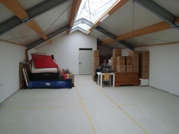 lagerm glichkeiten f r m bel vermietung garagen abstellpl tze scheunen. Black Bedroom Furniture Sets. Home Design Ideas
