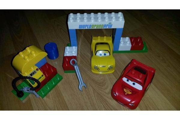 lego duplo cars 6133 das wettrennen in ludwigshafen spielzeug lego playmobil kaufen und. Black Bedroom Furniture Sets. Home Design Ideas