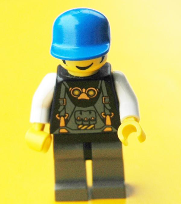 lego figur nr 28 mit kelch in reichelsheim spielzeug. Black Bedroom Furniture Sets. Home Design Ideas