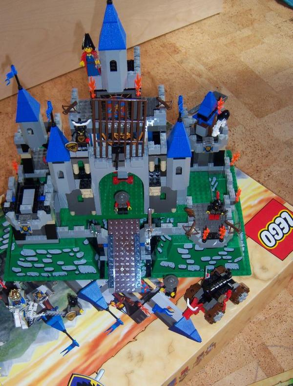 Ritterburg Holz Oder Playmobil ~ Lego Ritterburg in Hallbergmoos  Spielzeug Lego, Playmobil kaufen