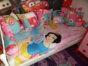 Mädchenbett