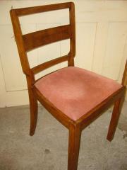 Massivholz-Stuhl