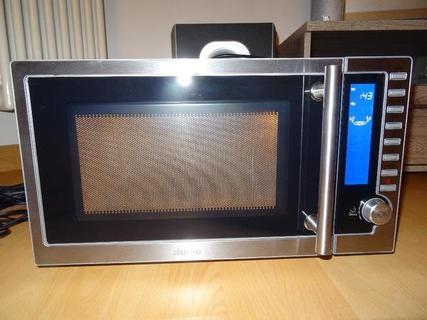 mikrowelle in edelstahl mit grillfunktion und digitaler anzeige in schwarzenbruck k chenherde. Black Bedroom Furniture Sets. Home Design Ideas