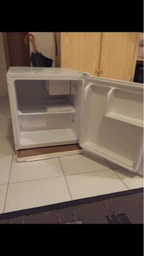 minikuhlschrank gebraucht kaufen nur 4 st bis 75 g nstiger. Black Bedroom Furniture Sets. Home Design Ideas
