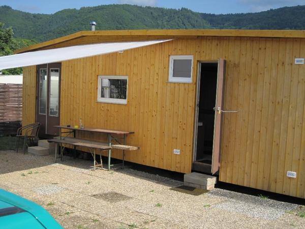 mobilheim chalet auf ganzjahres campingplatz an der mosel 54346 mehring ferienhaus whg. Black Bedroom Furniture Sets. Home Design Ideas
