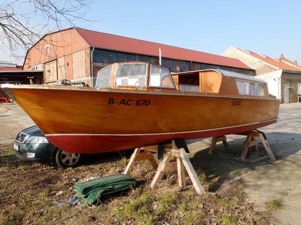 motorboot holzboot kaj tboot unikat in berlin motorboote kaufen und verkaufen ber. Black Bedroom Furniture Sets. Home Design Ideas