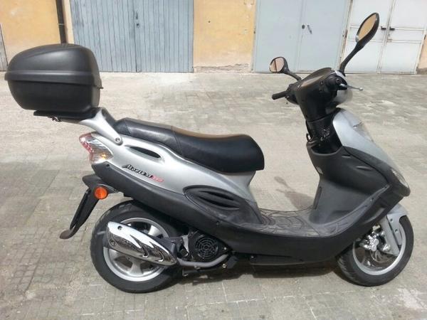 motoroller kimco 150 in m nchen kymco roller kaufen und verkaufen ber private kleinanzeigen. Black Bedroom Furniture Sets. Home Design Ideas