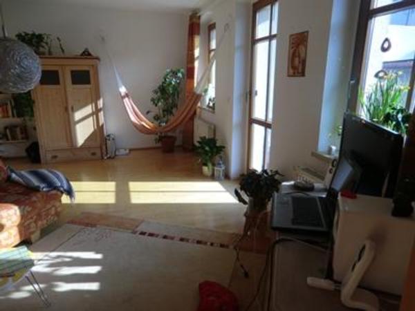 neu renovierte wohnung sucht nachmieter ab sofort in. Black Bedroom Furniture Sets. Home Design Ideas