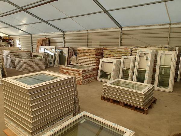 neue fenster aluminiumt ren balkont ren rolladen. Black Bedroom Furniture Sets. Home Design Ideas