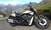 Neuwertige Harley zu