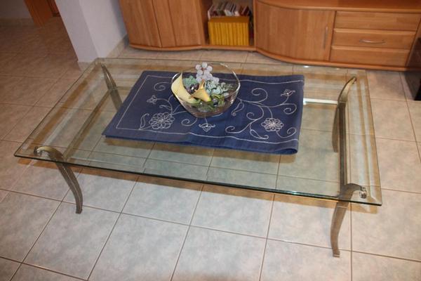 neuwertiger glastisch mit messing gestell deutsche prod in bad friedrichshall couchtische. Black Bedroom Furniture Sets. Home Design Ideas