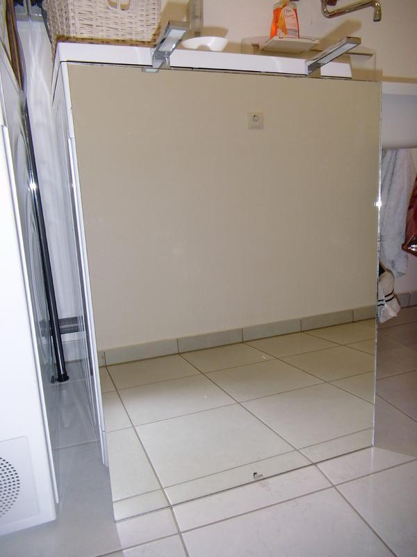 neuwertiger spiegel von zierath in m nchen bad einrichtung und ger te kaufen und verkaufen. Black Bedroom Furniture Sets. Home Design Ideas