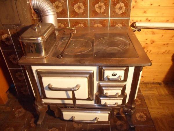 nostalgie herd von ca 1930 1940 in remchingen haushaltsger te hausrat alles sonstige kaufen. Black Bedroom Furniture Sets. Home Design Ideas