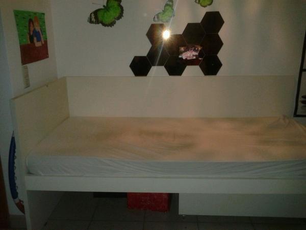 ikea flaxa bett mit unterbett. Black Bedroom Furniture Sets. Home Design Ideas