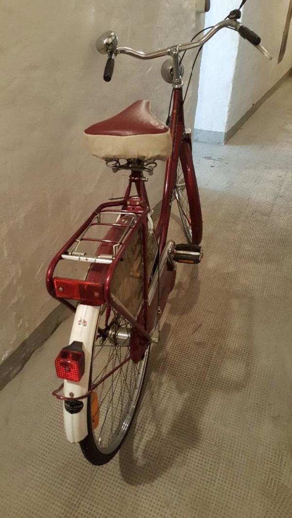 oldie holland fahrrad 28zoll 3gang zustand wie neu. Black Bedroom Furniture Sets. Home Design Ideas