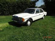 Oldtimer Mercedes 123