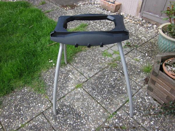 orginal weber elektro grill stand in h rth sonstiges. Black Bedroom Furniture Sets. Home Design Ideas