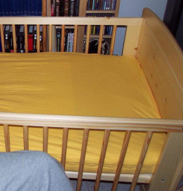 pinolino massivholz kinderbett 70x140 in m nchen wiegen babybetten reisebetten kaufen und. Black Bedroom Furniture Sets. Home Design Ideas