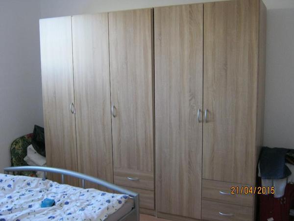 kleiderschrank farbe neu und gebraucht kaufen bei. Black Bedroom Furniture Sets. Home Design Ideas