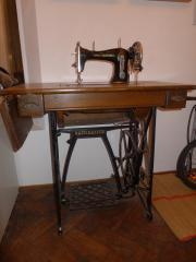 gebrauchte naehmaschinen alles m gliche passende kleinanzeigen finden. Black Bedroom Furniture Sets. Home Design Ideas