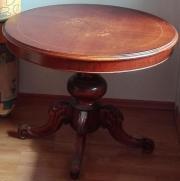 runder Holztisch massiv