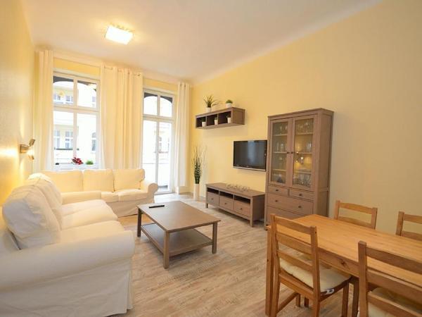 sanierte 1 zimmer wohnung in berlin vermietung 1 zimmer wohnungen kaufen und verkaufen ber. Black Bedroom Furniture Sets. Home Design Ideas