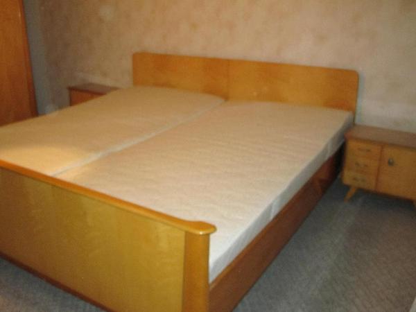 schlafzimmer bett aus betten. Black Bedroom Furniture Sets. Home Design Ideas