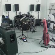 Schlagzeuger sucht .
