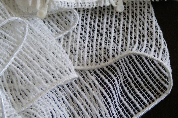schlichte naturwei e gardinen gardinen jalousien aus m nchen schwabing west. Black Bedroom Furniture Sets. Home Design Ideas
