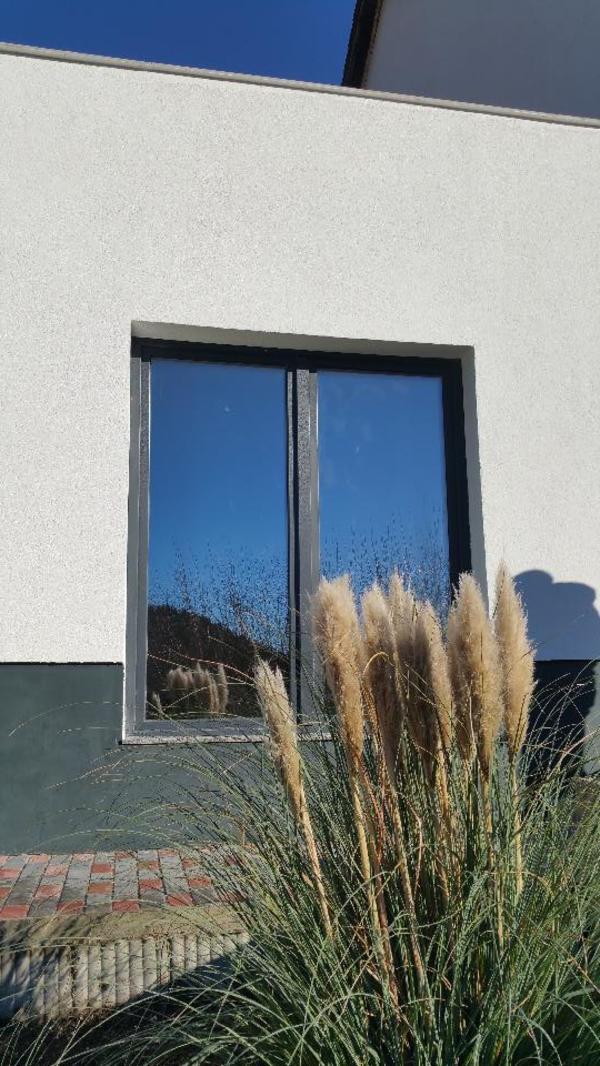 sch ne frisch renovierte 4 zimmer wohnung in heidelberg. Black Bedroom Furniture Sets. Home Design Ideas