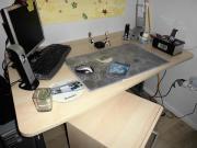 Schreibtisch mit Rollcontainer -