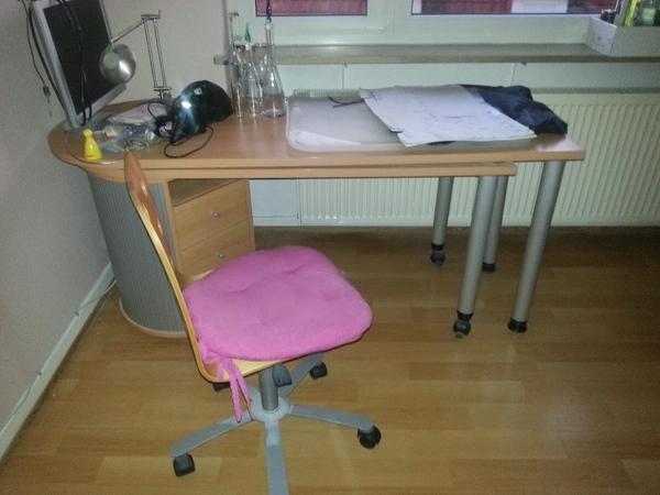schreibtisch mit stuhl in dossenheim b rom bel kaufen. Black Bedroom Furniture Sets. Home Design Ideas
