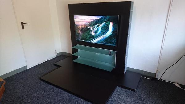 Stylische Designer Wohnwand / Fernsehwand in Wolfurt ...