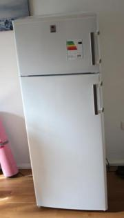 Stylischer Hoover Kühlschrank