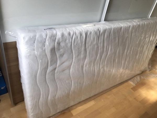 schlaraffia matratzen schlaraffia matratze gesucht schlaraffia viva plus taschenfederkern. Black Bedroom Furniture Sets. Home Design Ideas