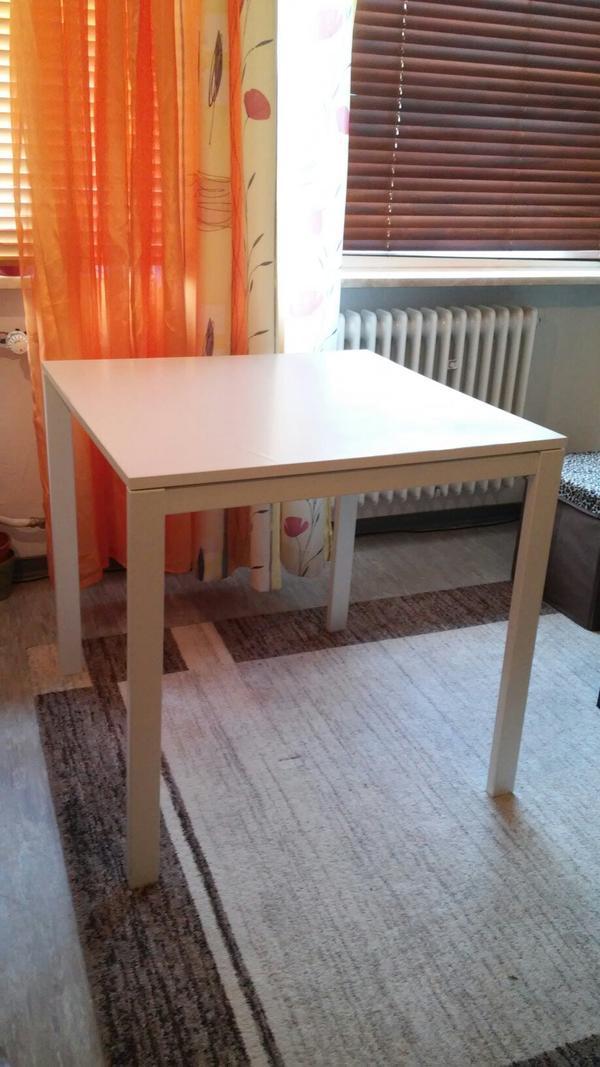 kleiner quadratischer ikea tisch 75 cm kantenl nge 74 hoch beine kann man f r den transport. Black Bedroom Furniture Sets. Home Design Ideas