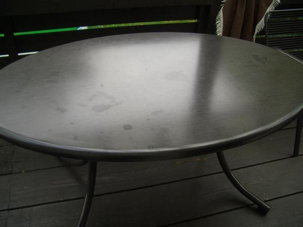 Tisch für Garten, Balkon, Terrasse etc. Platte ist aus ...