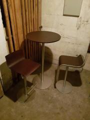 Tisch mit zwei