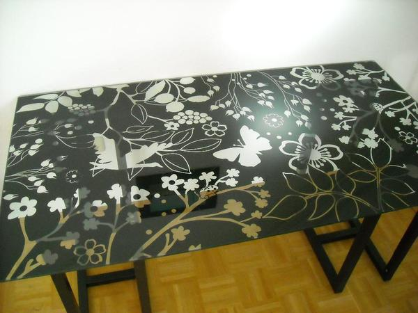 tischplatte glas mit schwarzen blumen in m nchen ikea. Black Bedroom Furniture Sets. Home Design Ideas