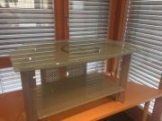 TV-Tisch aus