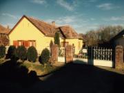 Ungarn: Haus im