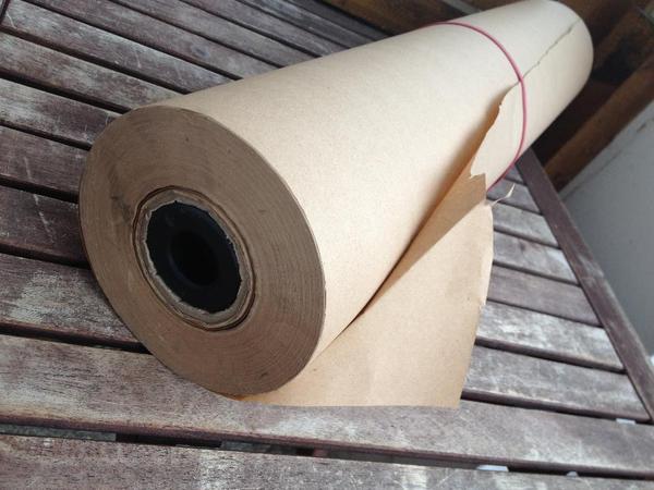 verkaufe gro e packpapier rolle zum verpacken von paketen in zirndorf umzugskartons. Black Bedroom Furniture Sets. Home Design Ideas