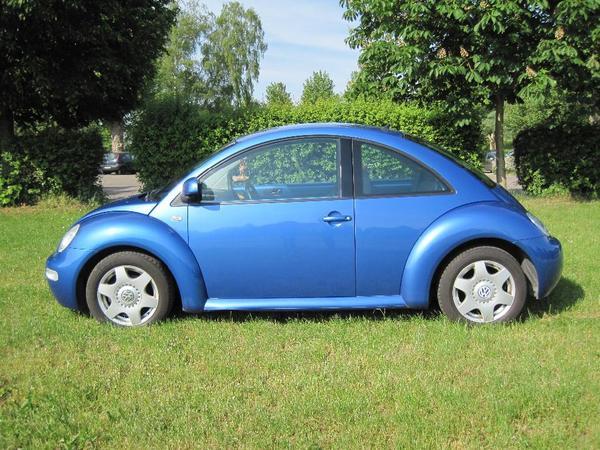 vw beetle 2 0 benziner 85kw k fer mit neuem t v bis 2017 auto frauen metallic blau super zustand. Black Bedroom Furniture Sets. Home Design Ideas
