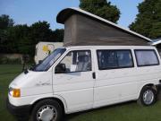 VW-Bus zu